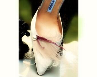 Pearl Plum & Ivory Peacock Shoe Clips Set. Stylish Feminine Couture Statement Stunning, Bride Bridal Bridesmaid MOH Gift, Beige Vanilla Clip