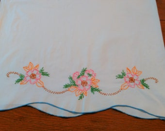 Vintage Embroidered Flower Pillowcase -Vintage Pillowcases - Vintage Linens - Cottage - Farmhouse - Vintage Bedding