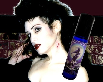 VAMPYRE'S KISS Perfume Oil - Black Cherry, Egyptian Musk, Patchouli - Gothic Perfume - Vampire Perfume - Dracula