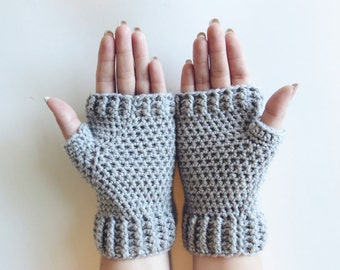Gray Mittens Crochet Fingerless Mittens Wrist Warmers Gloves in Light Gray