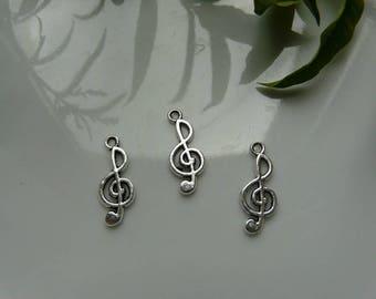x 2 silver treble clef pendant charm