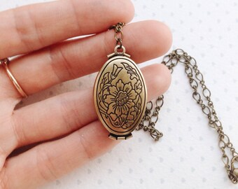 Mother Locket  Necklace / Mothers Necklace / Mom Photo Gift / Four Photo Locket / Grandma Locket Necklace