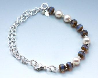 Sterling Silver Freshwater Pearls Bracelet, Pearl Bracelet, Silver Bracelet, Lavender Glass Bead Bracelet, Summer Bracelet, Lobster Clasp