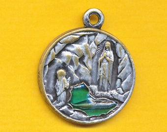 Reliquary medal containing Miraculous water of Lourdes silvered bronze religious medal - Our Lady of Lourdes  1858-1958 (ref 1125)
