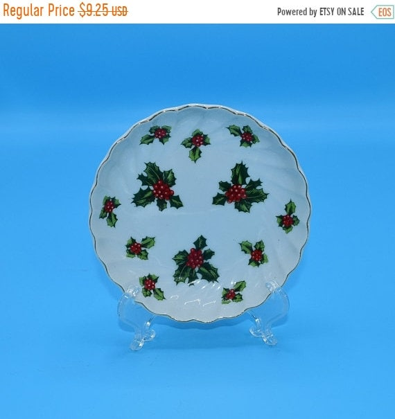 Delayed Shipping Lefton Christmas Holly Dish Vintage Lefton Holly Leaves Trinket Dish Holiday Scalloped Candy Bowl Christmas Decoration Gift