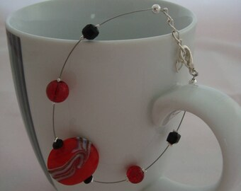 Bracelet simple and original red and black