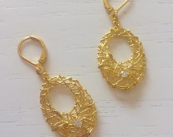 Golden nest earrings