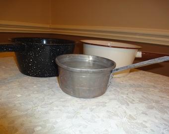 Vintage Enamel Pots/Vintage Enamel Ware Pots/Old Pots/Set of 3 Old Pots/2 Enamel and 1 Aluminum Vintage Pots/Vintage Kitchen Pots