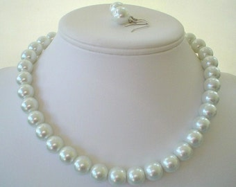 Chunky White Glass Pearl Beaded Necklace Set     Great for Bridesmaid Gifts
