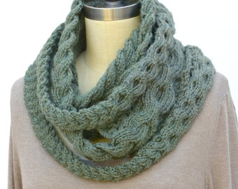 Triple Plait Infinity Scarf PDF Knitting Pattern Instant Download (ENGLISH ONLY)
