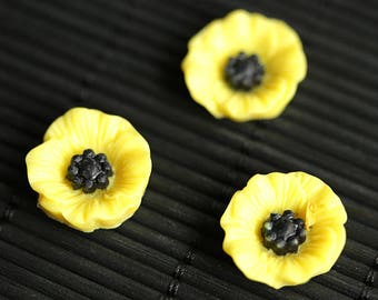 Yellow Poppy Flower Magnets. Set of Three Refrigerator Magnets. Yellow Flower Magnet Set. Fridge Magnets. Office Magnets or Kitchen Decor.
