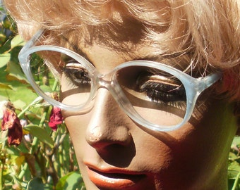 Great eyeglass frame by optic actual (original vintage)