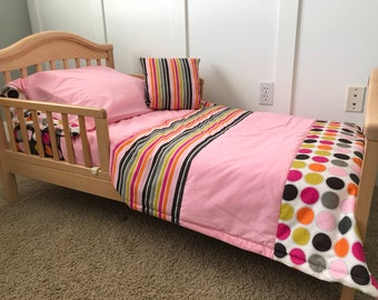 All Girl Toddler Dots and Strips 4-piece Bedding Set-Free Personalized Pillowcase