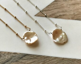 Keshi Pearl Necklace Petal Pearl Necklace June Birthstone Freshwater Pearl Necklace Simple Necklace Layering Necklace Dainty Necklace
