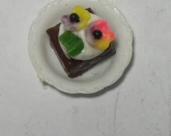 1:12  Scale Brownie, Miniature Brownie
