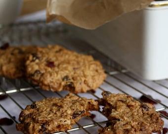 Large Oat Biscuits 6 pcs
