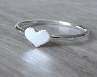 Sterling silver heart ring • 925 Sterling silver ring • Silver stacking ring • Love ring • Fashion tiny heart ring stackable