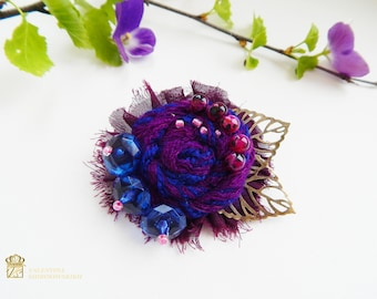 Textile flower brooch. Fabric flower brooch. Fabric Flower Pins. Textile brooch. Flower Miniatures. Gift for women, Gift for her