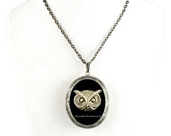 Pill Box Locket Locket Gothic Owl Inlaid in Hand Painted Glossy Black Onyx Enamel Necklace Neo Victorian Personalized Option