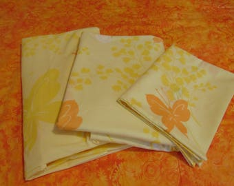 Springmaid Twin Fitted Sheet / Flat Sheet and  Pillowcase Combo