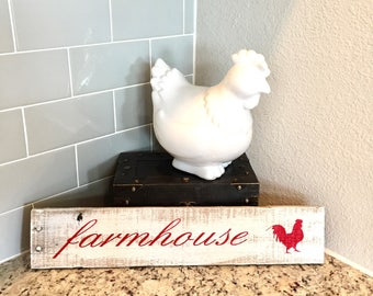 Rustic Wooden Farmhouse Sign with Rooster