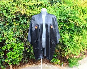 Vintage Kimono Robe, Dragon Embroidery, Hand Embroidery, Short Robe, 100% Silk, Duster, Black, Size XL, Plus Size