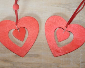set of two suspensions wooden hearts