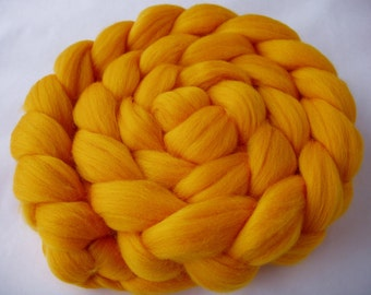 Merino wool roving, roving wool, spinning fiber, felting wool, 20 micron, unspun wool, dreads, dolls hair, SUNFLOWER YELLOW, 3.5oz, 100g