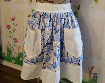 XL Half Apron with Pockets Lovely Floral Print with White Trim
