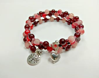 Offer: red beaded bracelet, bracelet with charms, memory wire bracelet, burgundy bracelet