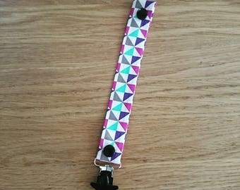 Geometric pacifier clip with star