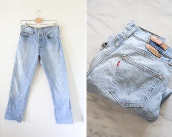 Vintage High Waisted Cut off Jeans // Levi Light Wash 501's Denim Pants
