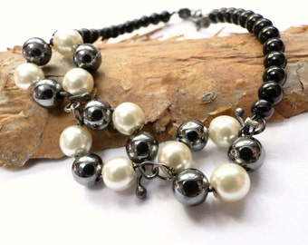Black Bracelet with pearls and hematite, Pearls Hematite Beads, Sterling Silver Bracelet, gift for her, Mother's Day gift / Sandycraft