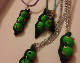 Pea pod necklace