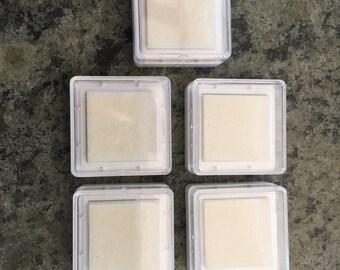 Coussinets en mousse terme timbre, timbre à sec Cubes