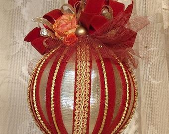 Handmade VICTORIAN CHRISTMAS Ornament / Keepsake - Vintage Style - Gold & Rust - No13