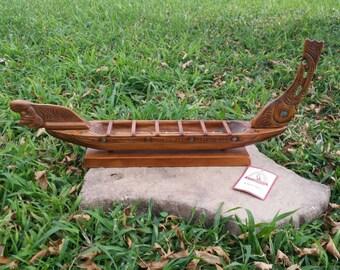 "RARE-Hard-To-Find Circa 60s 70s  24"" New Zealand Te Karuhiruhi Waka Tau Maori Handcarved Battle Canoe Model Ship Abalone Inlay Plus Paddles"