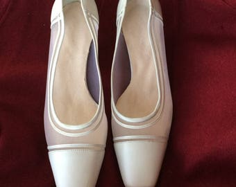 Shoes ladies vintage mesh and leather little heels ivory color size 8