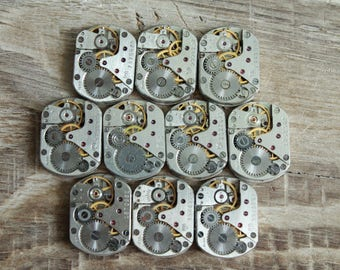 """lot of 10 watch movements  0.7 """" x 0.5 """" / jewelry supplies / Steampunk supplies /  Watch movements for art / Vintage / Steampunk Findings"""