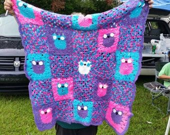 Pink and purple owl blanket