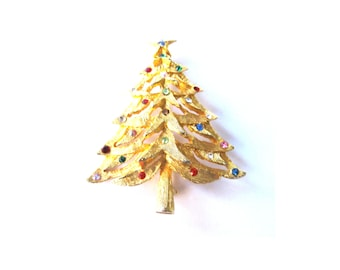 Brooch Rhinestone Gold Plate Fat Christmas Tree