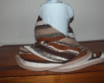 Knitted shawl made of wool and acrylic