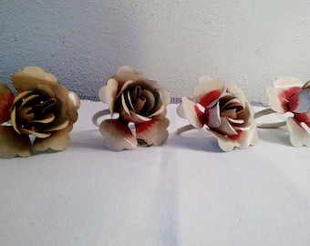 Charming set of Rose napkin rings, Set of 4, Shabby home decor, Metal curtain tie backs, Chippy metal, Distressed Roses, Table decoration