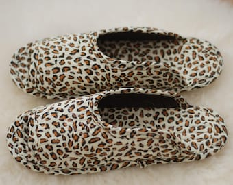 Indoor slippers, leopard, slippers, quilted slippers, cotton, socks, non-slip, indoor socks, quilted socks, flexible slippers