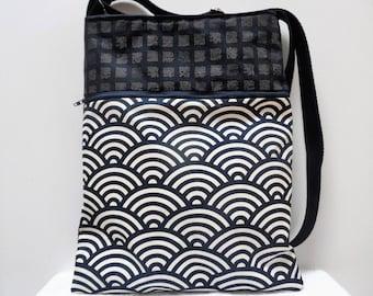 """Waves and characters"" Japanese indigo fabric shoulder bag"