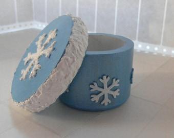 Snowflake box - blue box, jewelry box, ring box, trinket box, snowflake decor, winter decor, ice blue crushed velvet
