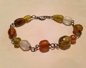 Amber bead and wire bracelet
