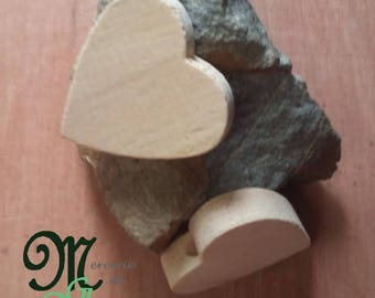 Large 6 cm heart shaped wooden bead.