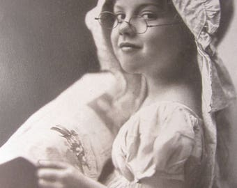 1900 Copyright Photography Print by Tonnesen Sister from Chicago.
