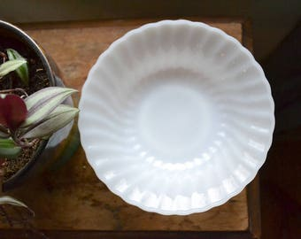 Fire King White Ruffle Bowl | Milk Glass | Ivory | Vintage Serving Bowl